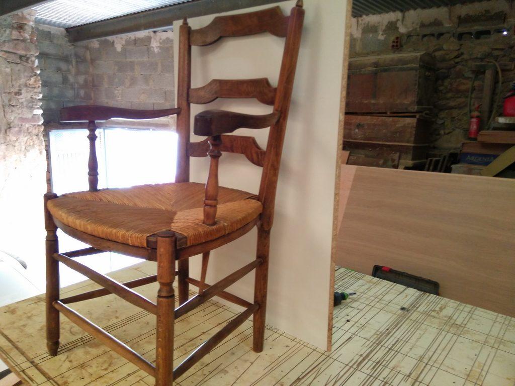 restauracin muebles antiguos silla antigua madera restaurada