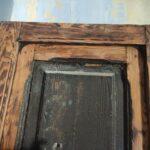 Restauración puerta exterior de vivienda en mobila vieja 01