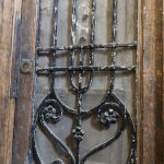 Restauración puerta exterior de vivienda en mobila vieja 05