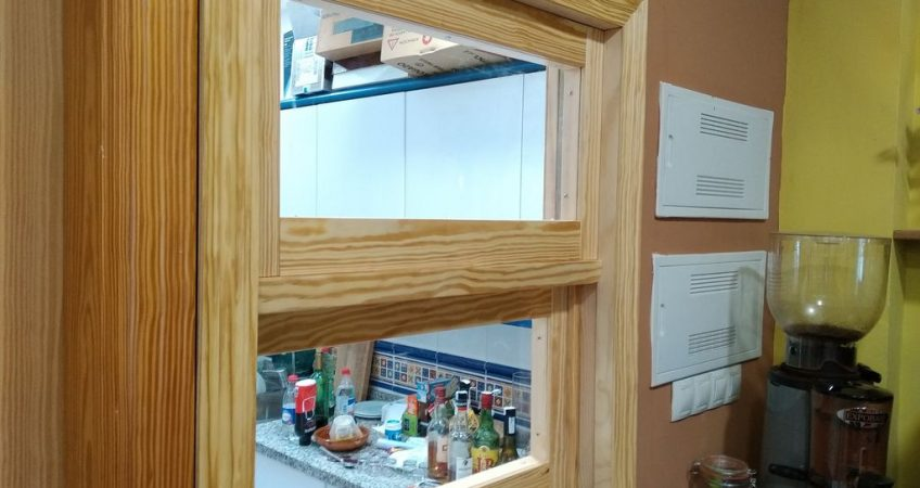 Ventana en guillotina de madera